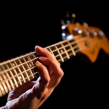 Nauka gry na gitarze basowej Poznań